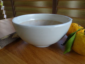 光陽陶器白マット波紋櫛目丸すり鉢